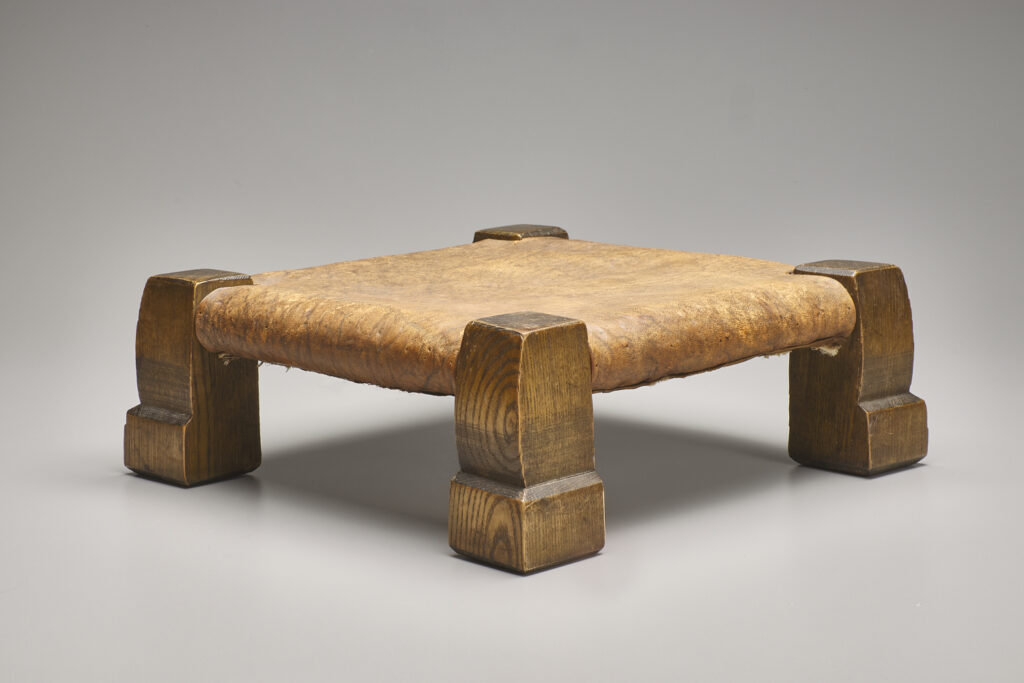 Title: Stool (no. 726); Creator: United Crafts; Date: 1901-02; Medium: Ash, leather; Dimensions: 5 x 12 1/2 x 12 1/2 inches; Gift of Gregg and Monique Seibert.
