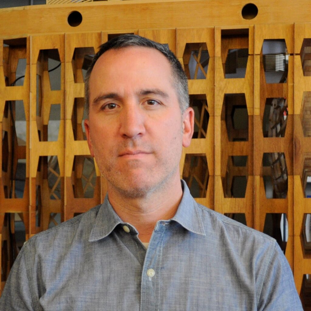 Jon Maass is an architect, builder and maker of things.